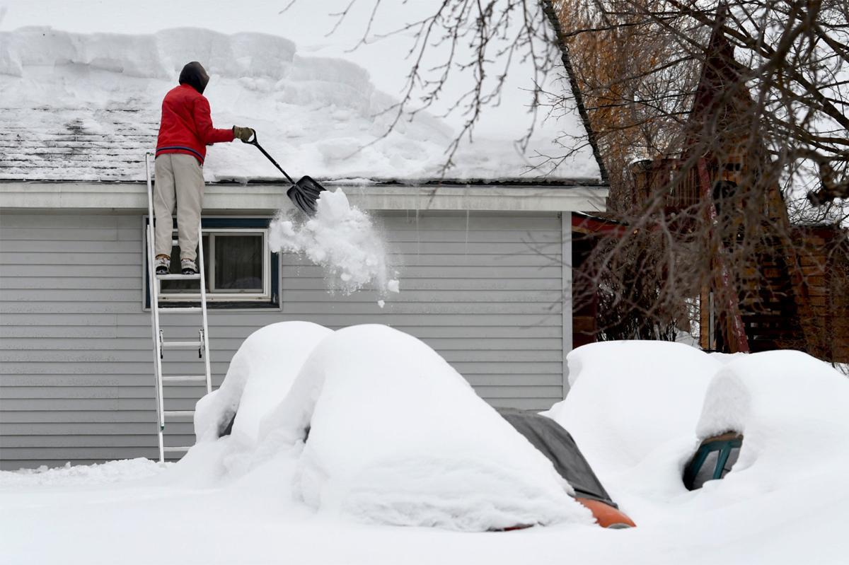 031319 roof shoveling1 kw.jpg