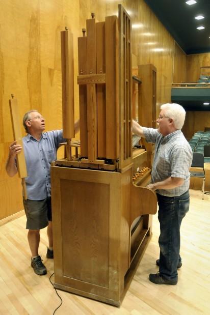 082611 pipe organ one