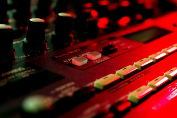 synthesizer music stockimage sound board concert gig