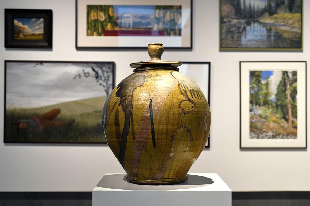 010518-mis-ent-auction-01