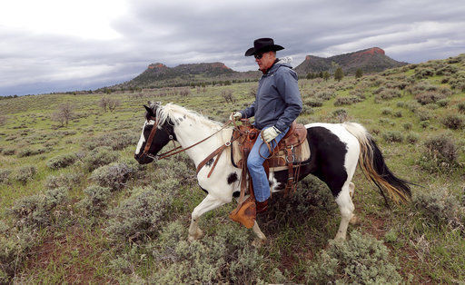 US Interior chief wants smaller monuments, but not at home