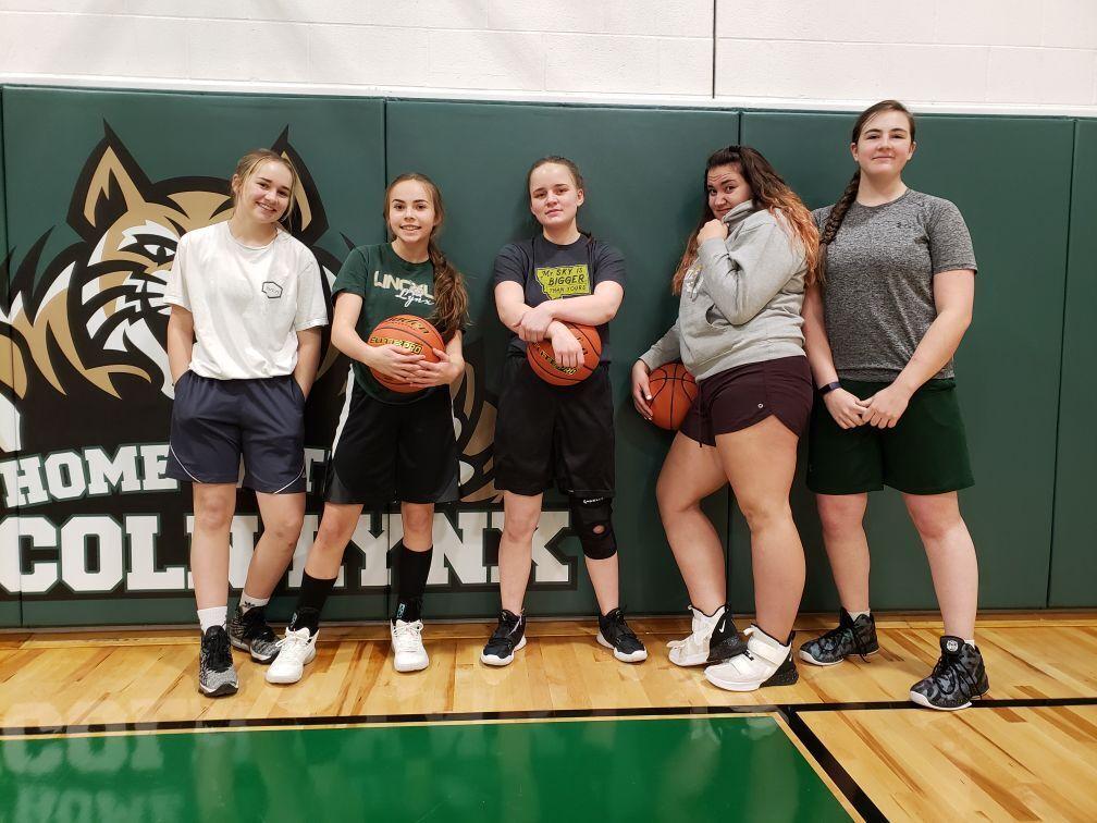 Lincoln girls basketball 2021 team