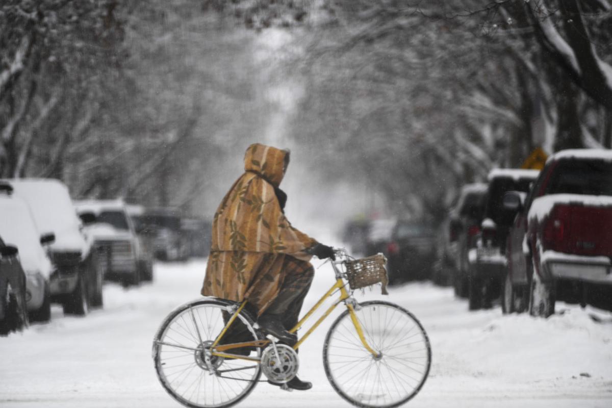 Biking in the snow (copy)