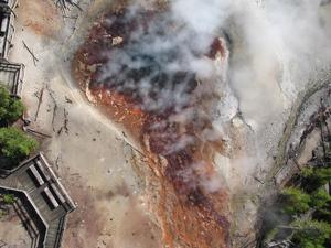 Caldera chronicles: Gases released from Yellowstone volcano provides clues to Earth's formation