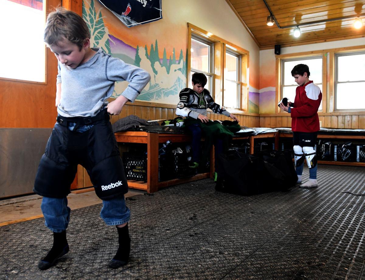 020319 pburg hockey1 kw.jpg