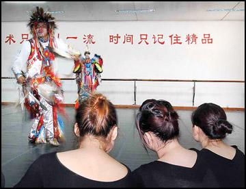 Dispatches form China: Mugging doesn't dampen Native's love of ChinaMay 31, 2008