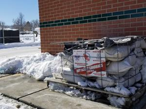 After county stops sandbag supply, Helena residents step up to fill the void