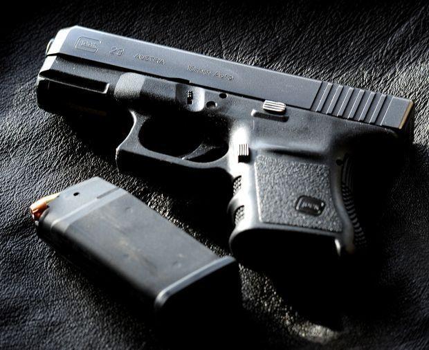 gun guns pistol handgun