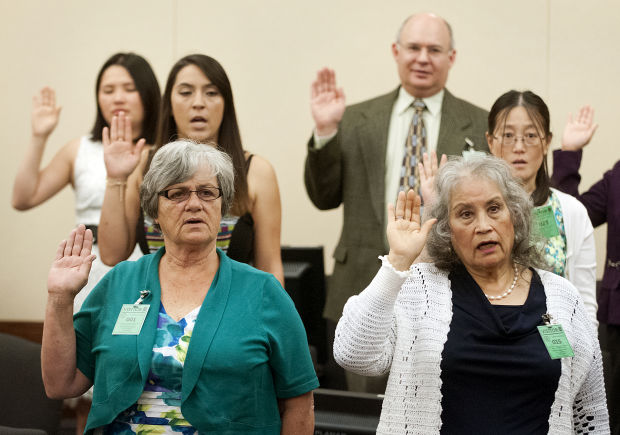 29 become U S  residents in Missoula naturalization ceremony