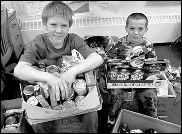 Lewis and Clark Elementary students put extra effort into gathering food