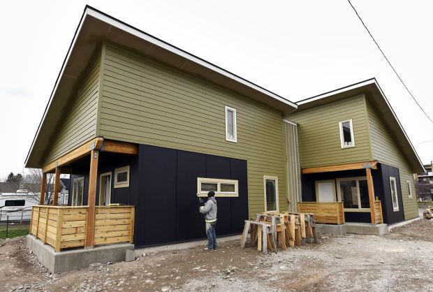 032615-mis-nws-housing-duplex