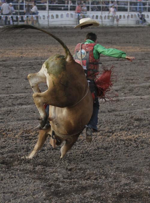 Triplett Steals Bullorama Thunder From Native Markiss