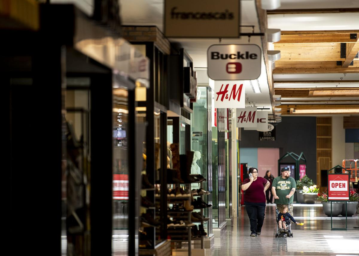 Retail opens in Missoula 02
