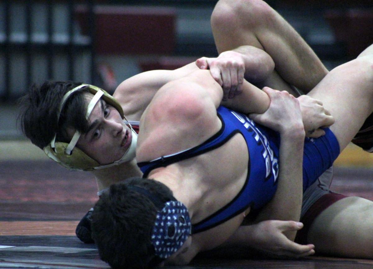 Noah Hurst wrestle