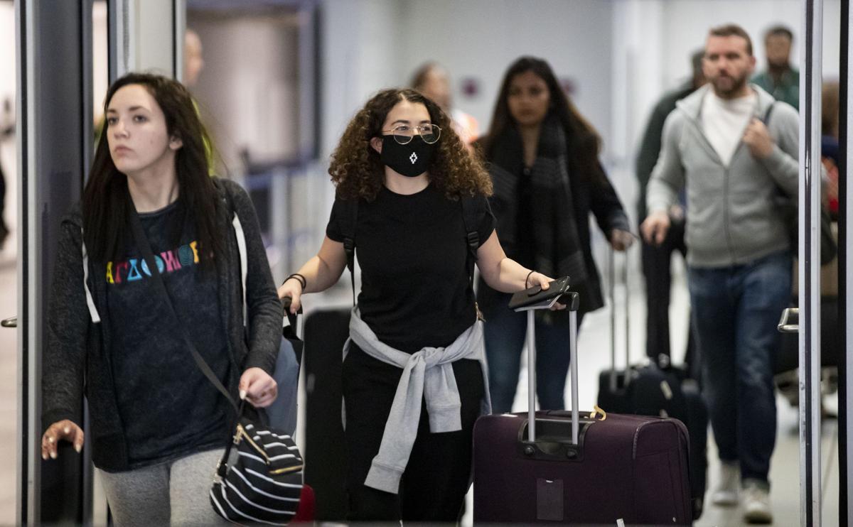 US-NEWS-CORONAVIRUS-CHICAGO-OHARE-1-TB