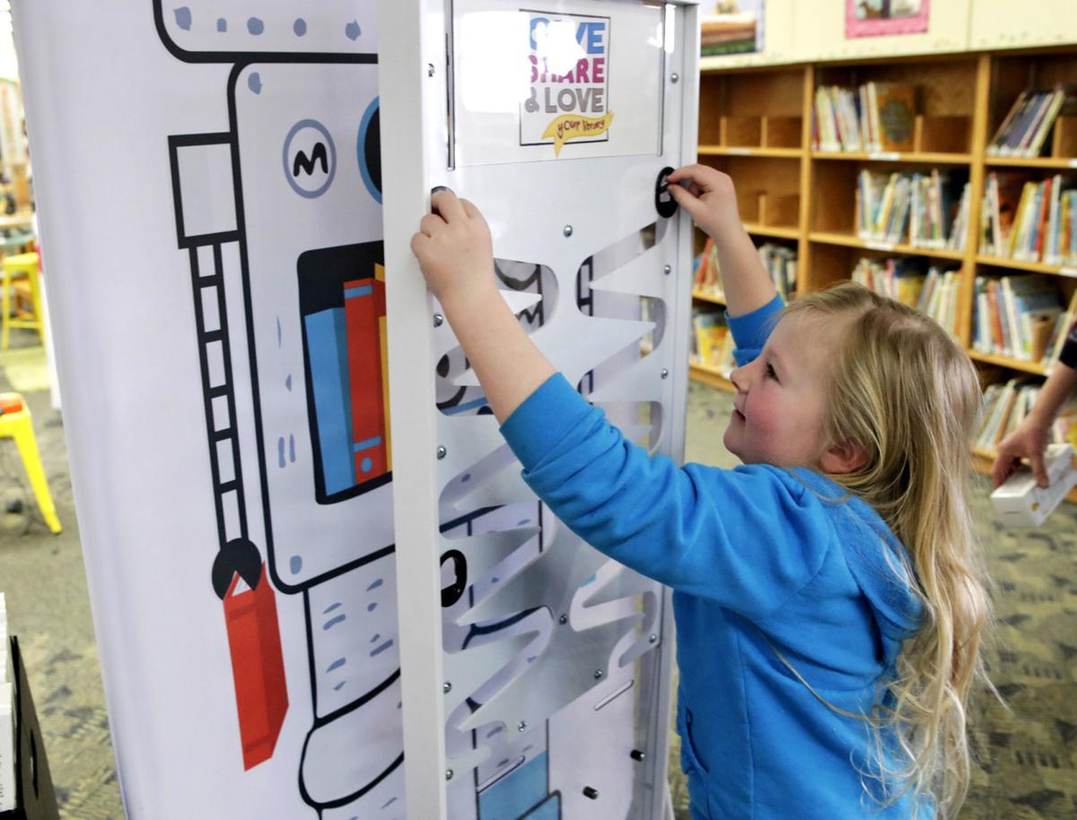 032319 Library Robot 01 ps.jpg