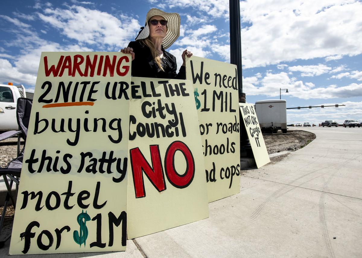 Sleepy Inn Motel protest