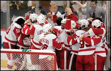 Cup runneth over: Red Wings win Stanley Cup for fourth time in 11 seasons