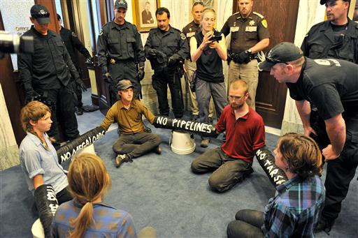Police intervene in Helena pipeline protest