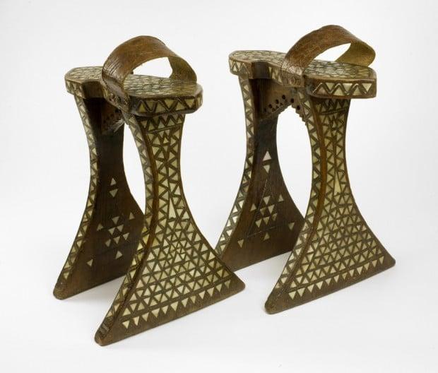 Wooden qabaqib shoes