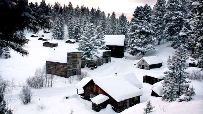 Garnet Ghost Town cabins offer overnight winter adventure