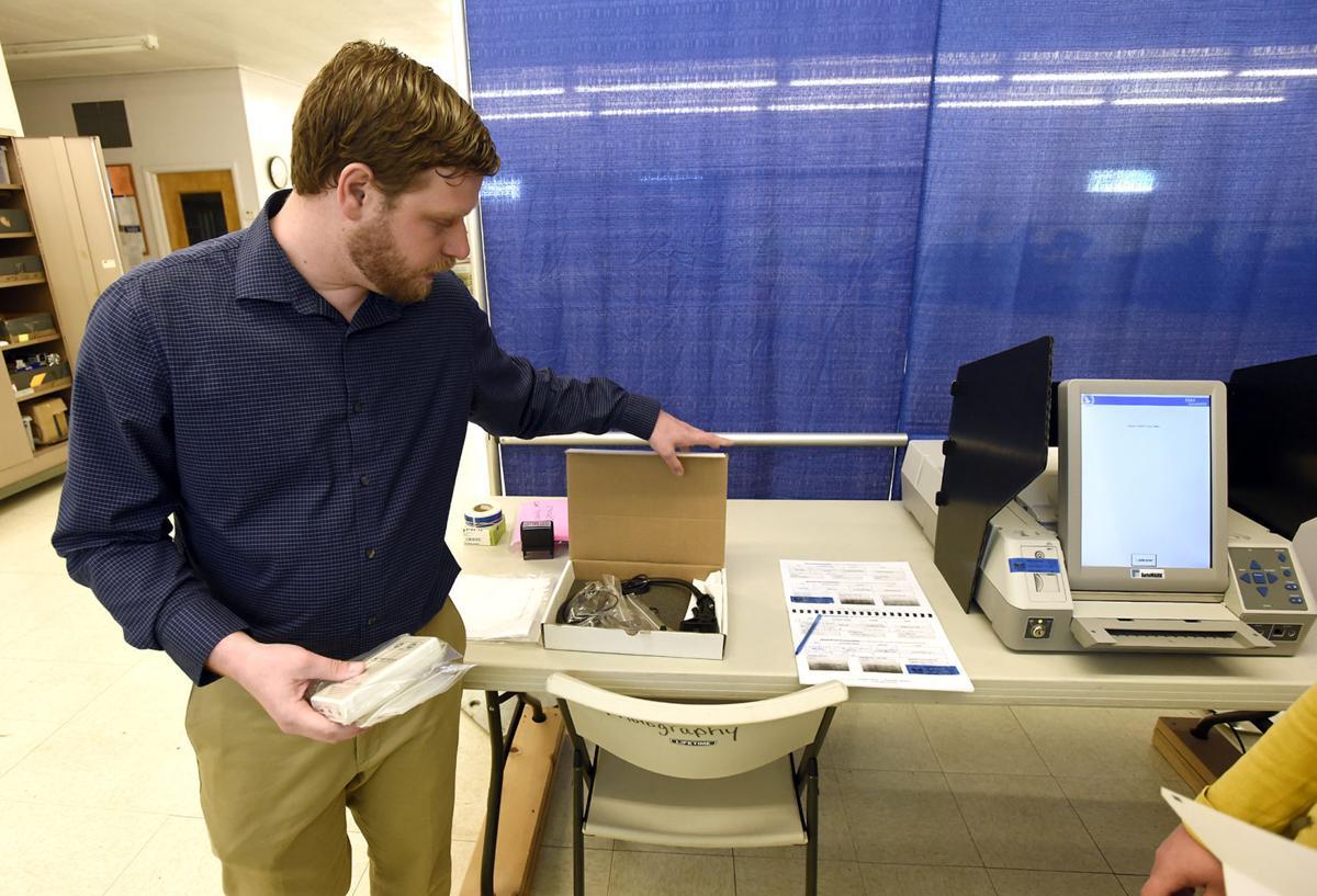 050917-mis-nws-voting-machines-01