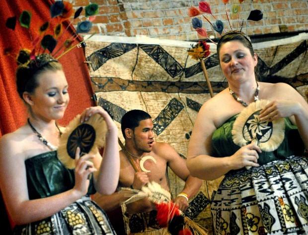 052410 polynesian dance club 1