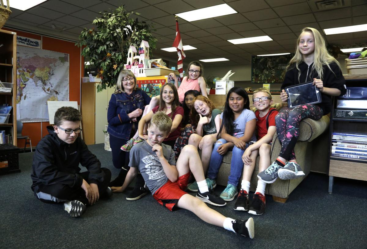 Hawthorne Elementary Student Reporters Program