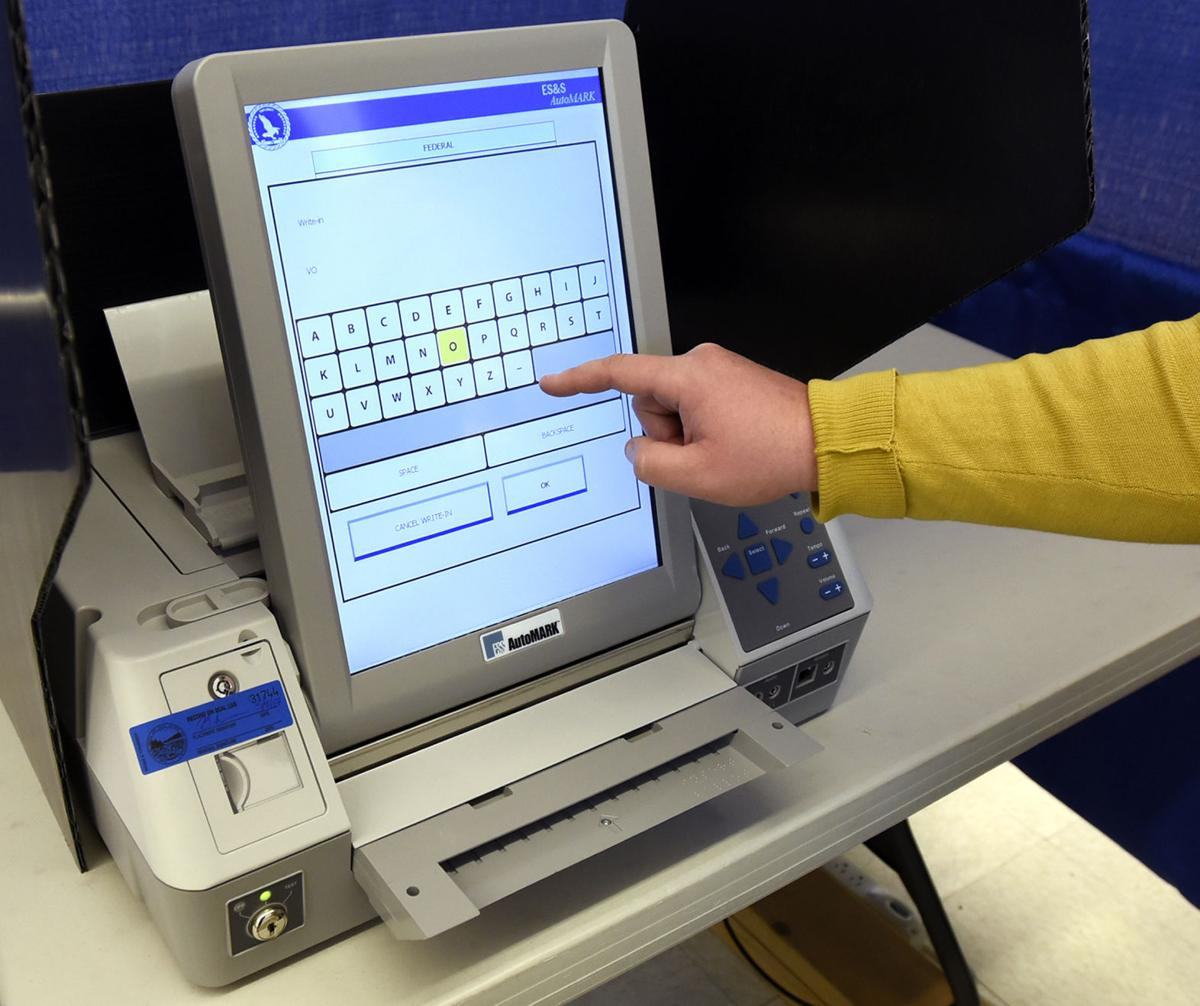 050917-mis-nws-voting-machines-02