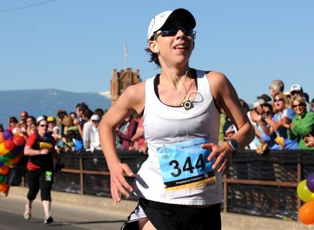 071110 women's marathon winner mg