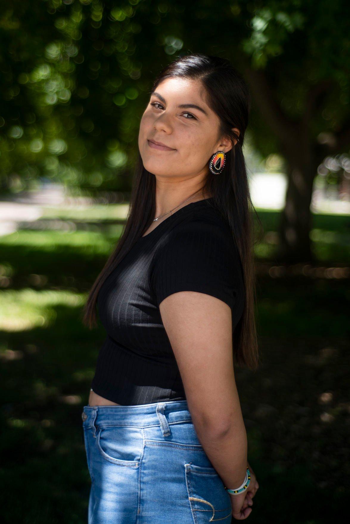 Olivia Perez 02