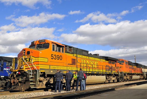 Roughly 30 train cars derail near Oswego, BNSF reports no