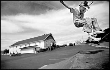 To skate is divine