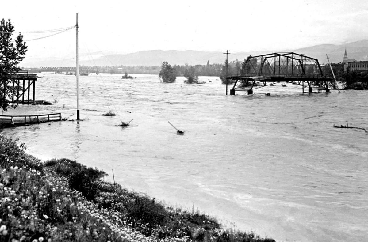 051218 historic flood.jpg