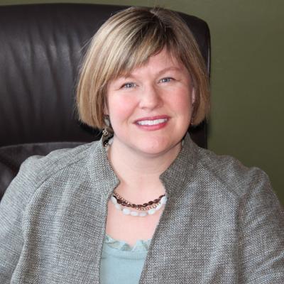 Associate professor Julie Wolter