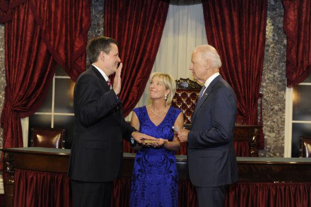 Sen. Steve Daines takes the oath
