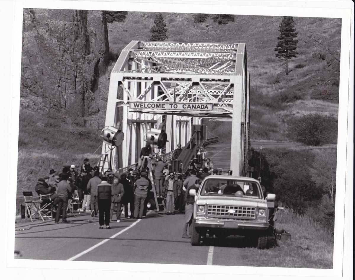 Untouchables bridge scene