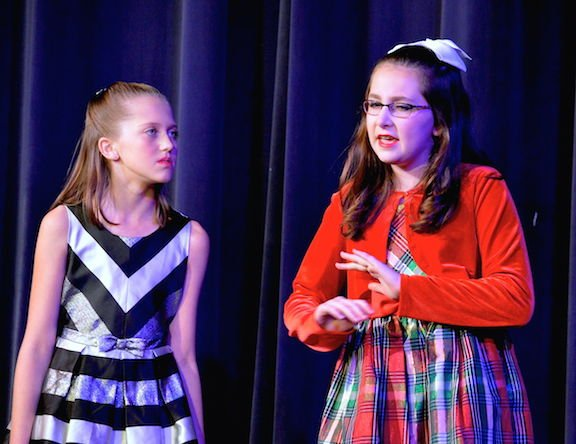katherine dyer beth bradley and jordyn floyd alice wendleken rehearse a scene from the best christmas pageant ever at the historic fayette theater