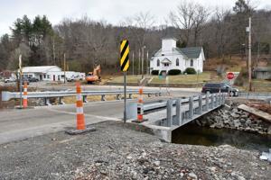 Residents complain new bridge too narrow