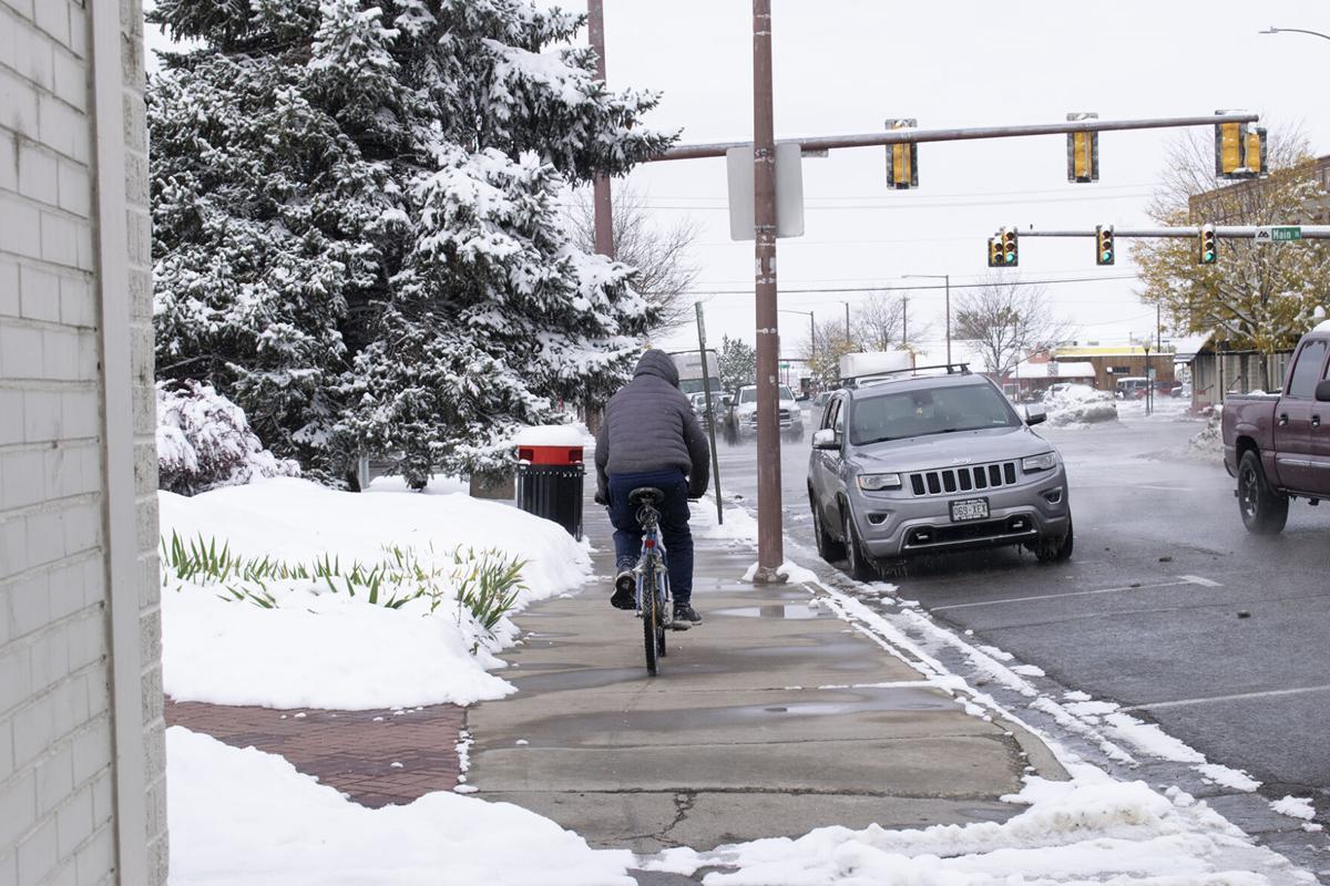 snow man on bike