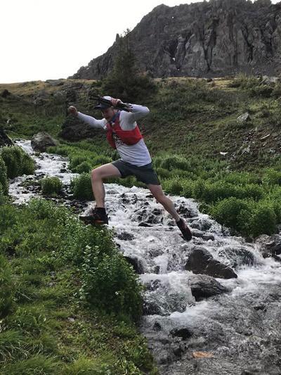 Unger column jumping a river