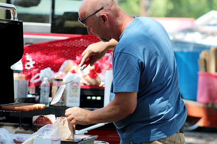 """""""We're human, too"""" Community comes out to barbecue Saturday to show support for law enforcement and first responders"""