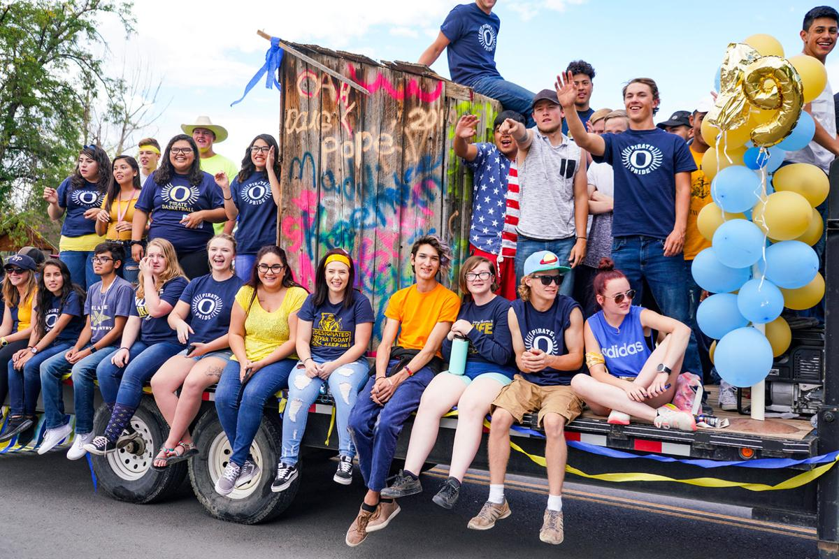 Montrose High School homecoming parade this afternoon ...