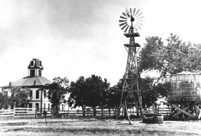 Courthouse, 1892.jpg