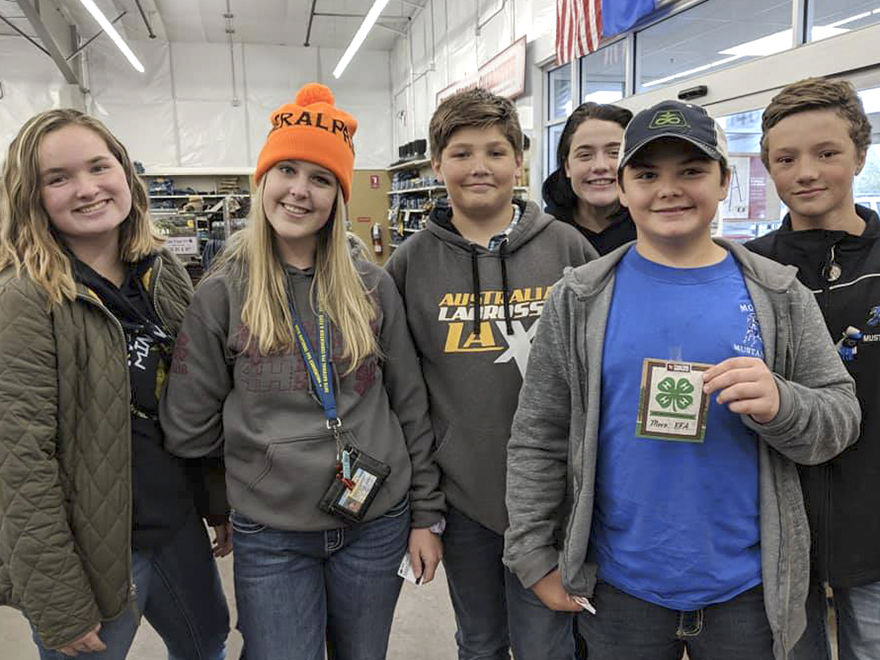 Mora FFA shares farm knowledge with others