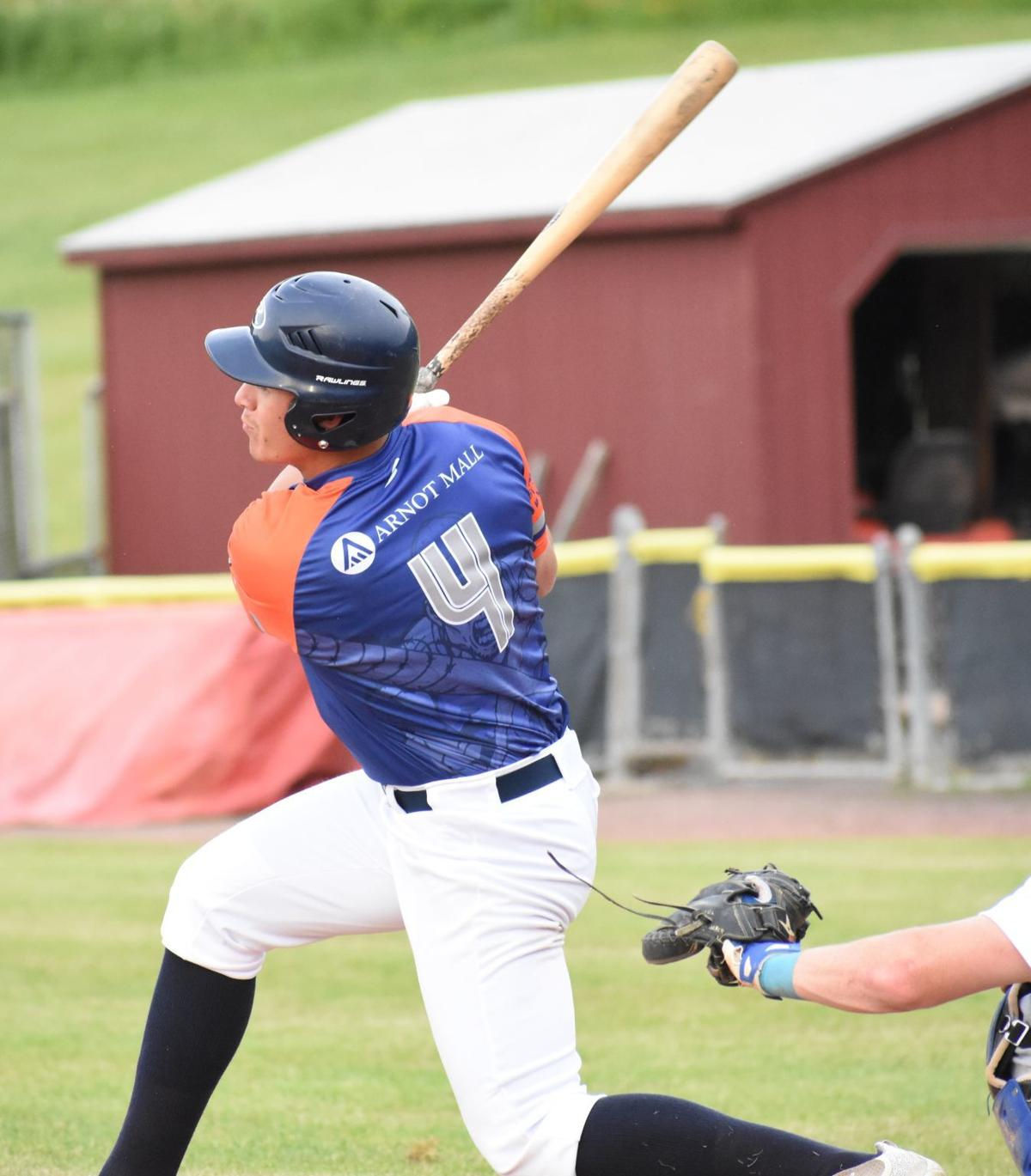 Destroyers fall to Dodgers