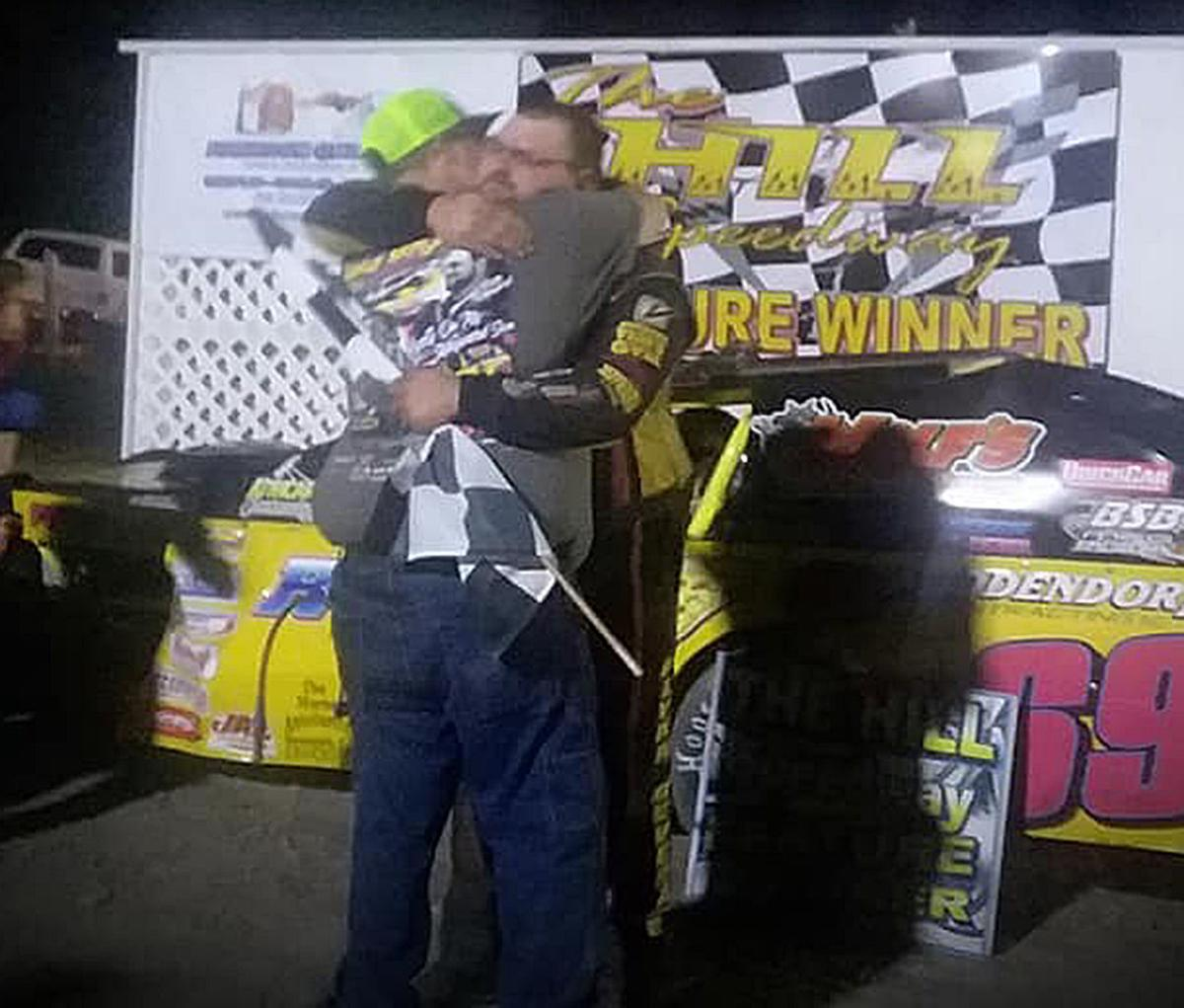 Jake Maynard scores emotional victory