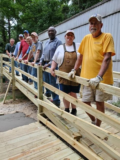 Small Acts Of Kindness Lions Club And Alabama Rehabilitation Services Install Service Ramp For Lawrence Resident Local News Moultonadvertiser Com