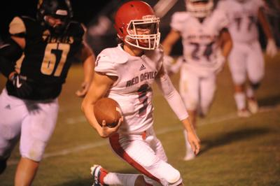 Sparks explodes for 5 touchdowns as Lawrence County downs Ardmore