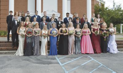 Local community surprises LCHS students with prom